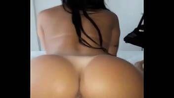 Pornografia caseira com morena quicando gostoso