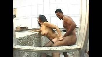 Brasileira casada fodendo com pedreiro