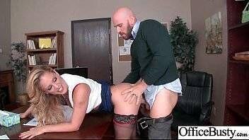 Diretora gostosa dando pro pai de um aluno