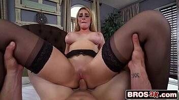 Porno gratis branquinha gostosa fudendo até o talo sua bucetinha gostosa