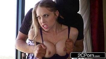 Porno proibido dois bandidos foram assaltar a casa e acabaram estuprando a gostosa