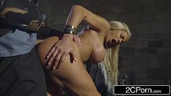X videos brasil parodia do  Game of Thrones xxx loirinha linda fazendo sexo gostoso com macho alfa