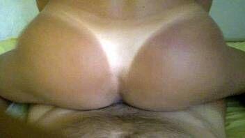 Xvídeos porno loirinha brasileira gostosa com marquinha de biquíni fazendo sexo sensacional com negro dotado na beira da piscina