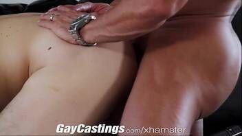Xvideos 2018 gays lindos fazendo sexo no sofá