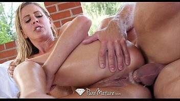 Baixar videos de sexo com loira tesuda dando o cuzinho