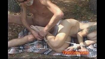 Video porno de estupro sexo selvagem com coroa malandra na fazenda