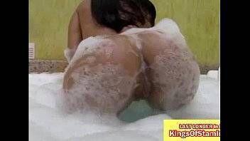 Xvideos-br morena gostosa tomou banho na banheira e depois fudeu gostoso