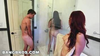 Porno doido macho safado metendo com duas ninfetinhas gostosas