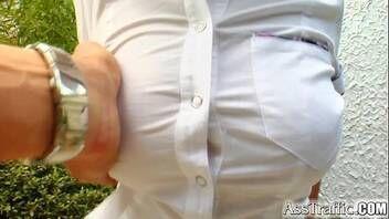 Puta experiente dando cu sem pregas em video de sexo anal