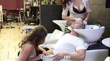Putaria no salão de cabeleireiros com muito sexo