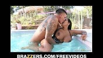 Filme de porno latina gostosa fazendo sexo