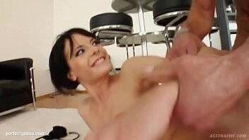 Filme de sexo caseiro no porno com magrinha