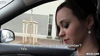 Porno de novinha gata de 18 anos transando