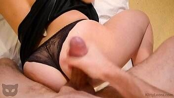 Sexo de 4 com novinha amadora gostosa demais