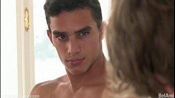 Ensaio porno gay com malandro do pau grande sendo fotografado