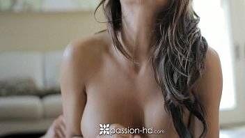 Mulher maravilhosa pelada fazendo sexo bem gostoso