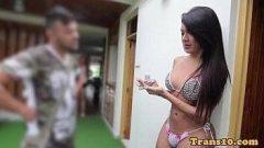 Travestis brasileiras femininas em vídeo se mostrando