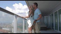 Ninfeta fazendo sexo em vídeo pornô xxx