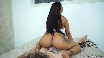 Brasileira do rabão botando namorado para assistir sexo com seu amante