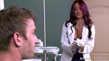 Parsexual tras a medica mais gostosas para estrelar um filme com muita putaria e sacanagem