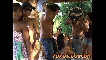 Porno grátis com as safadinhas fazendo um suruba brasileira em um sitio no Rio de Janeiro