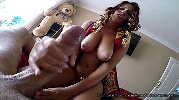 Pornozão mostra uma vadia dona de um bucetão fazendo sexo com um rapaz solteiro grosso