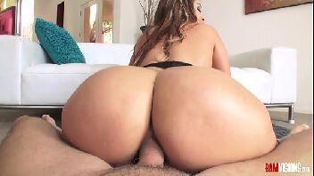 Sexo anal gostoso com mulher do rabo grande e guloso
