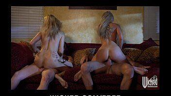 Video porno tras duas loiras gostosas que adoram ficar montadas em cima de uma pica grande e grossa