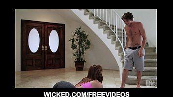 Vidios porno com novinha fazendo exercício em cima da piroca do namorado