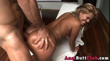 Boa foda brasil loira cuzuda sendo arregaçada no anus
