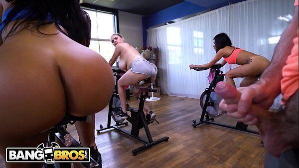 Porno na academia com o professor comendo sua aluna mais gostosa de todas