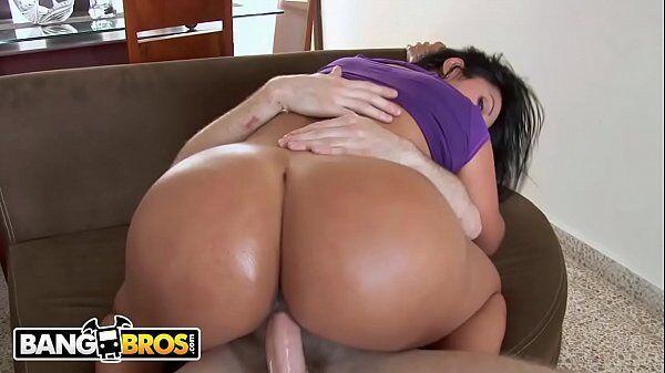 Canal porno latina de morena que tem bunda grande sentando com tudo na piaba