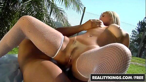 Fotos de mulheres transando com uma loira bem gostosa da porra fazendo um sexo anal foda
