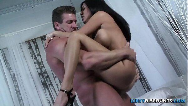 Sexo novinha xvideos com uma linda morena dando gostoso a xoxota para o namoradinho