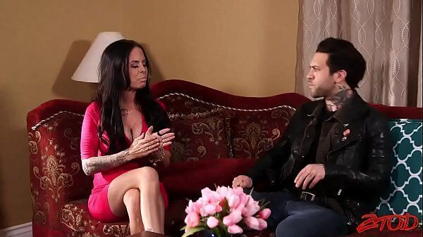 Videos incesto coroa morena dando para o seu sobrinho no fim de semana