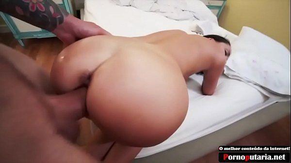 Mulher pelada fudendo com pressão em motel