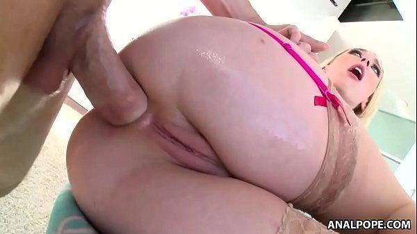Pornô cu loira gostosa dando a bunda grande