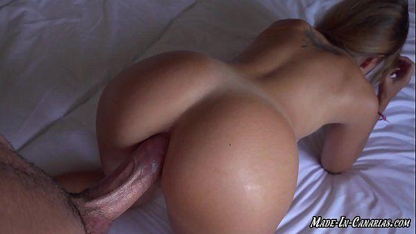Porno caseiro com novinha rabuda fazendo anal