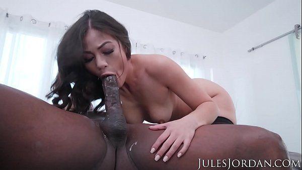 Porno page dotado comendo cu de branquinha