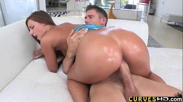 Porno gostosa rabuda dando pro dotado de pica