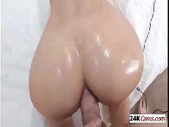 Video sexo amador com novinha rabuda