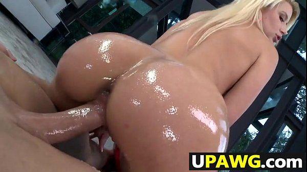 Video mulher pelada rabuda dando a buceta