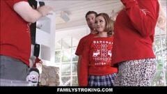 Video porno em hd de uma novinha fazendo putaria entre familia com os primos